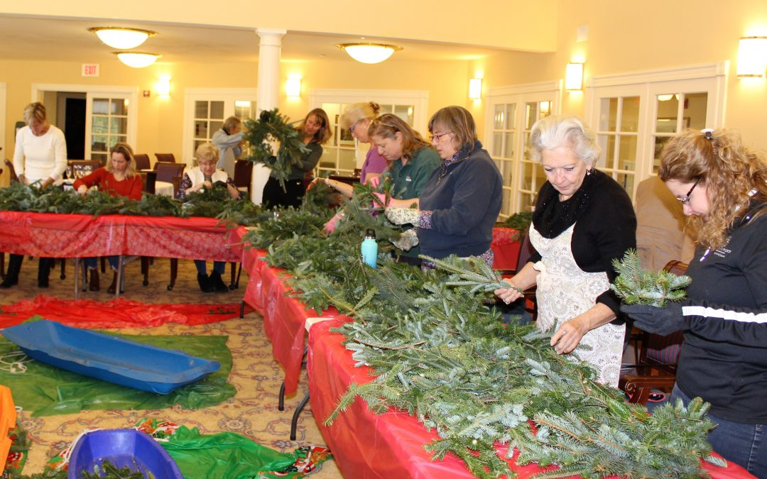 Wreaths-For-A-Cause Raises $1355 for Food Cupboard